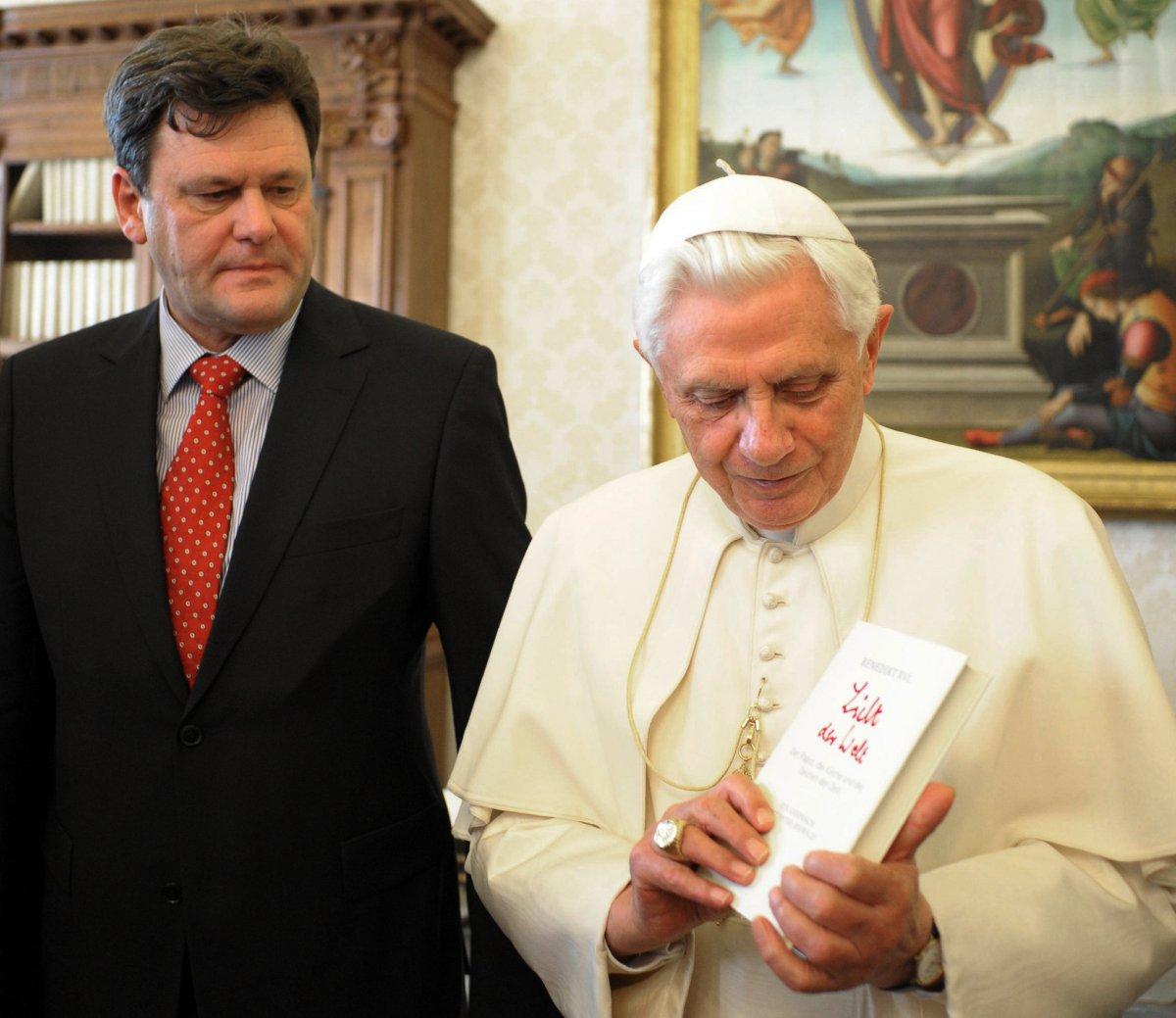 Peter-Seewald-dan-Paus
